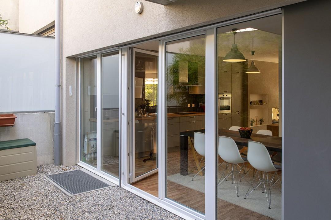 VENDU! Sublime duplex traversant avec jardin, patio, balcon. - 11