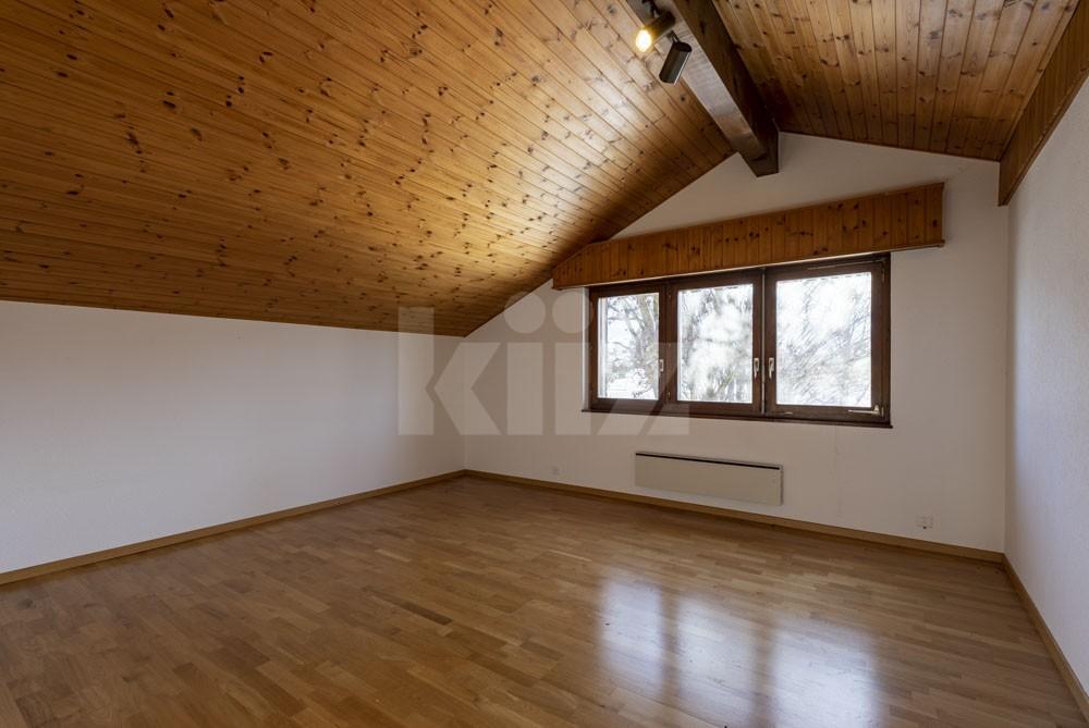 Grosszügiges Einfamilienhaus umgeben von einem 1350 m2 gross - 5