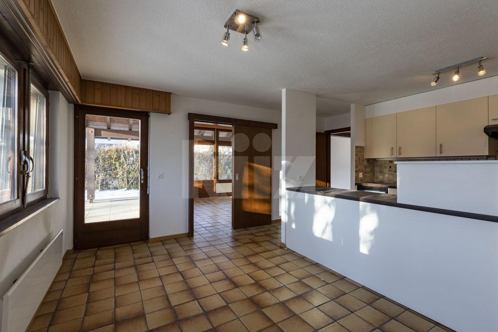 Grosszügiges Einfamilienhaus umgeben von einem 1350 m2 gross - 4