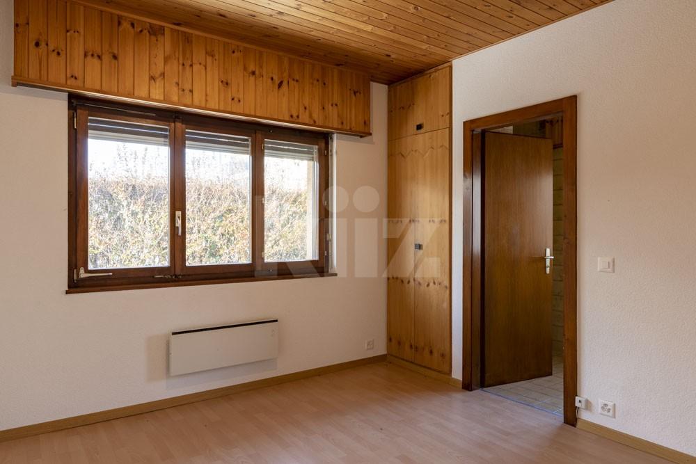 Grosszügiges Einfamilienhaus umgeben von einem 1350 m2 gross - 10