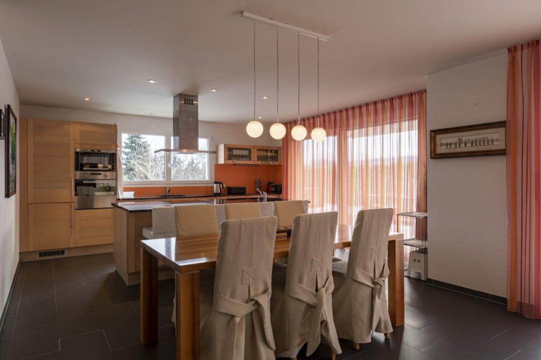 Wunderschönes Einfamilienhaus mit grossem Garten von 650 m2 - 1