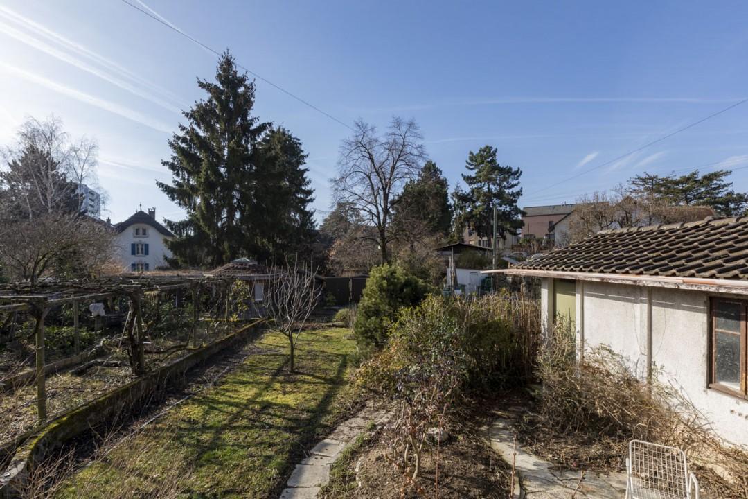 Einfamilienhaus mit viel Potenzial und grossem Garten - 10