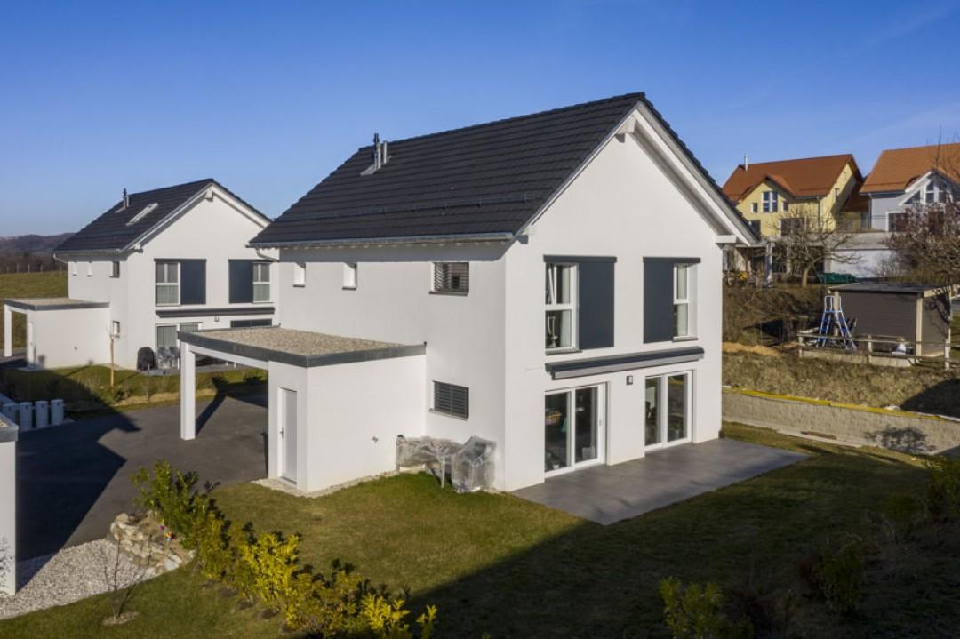 VENDU! Superbe villa individuelle avec jardin à 2 pas du LEB - 1