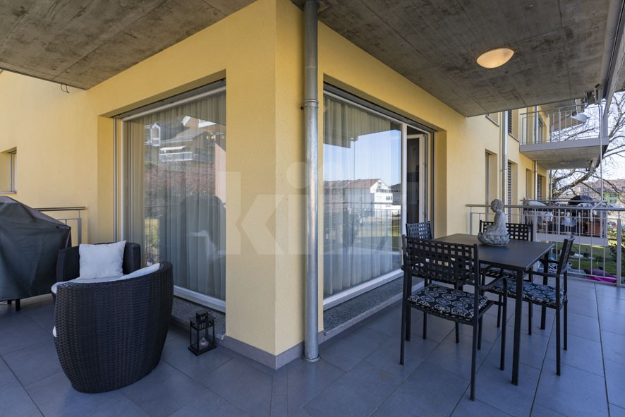 VENDU! Très bel appartement traversant avec grande terrasse - 11