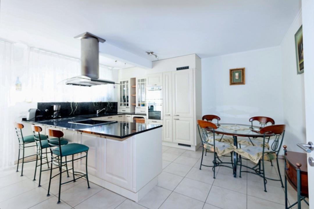 Belle villa d'angle dans résidence de prestige - 3