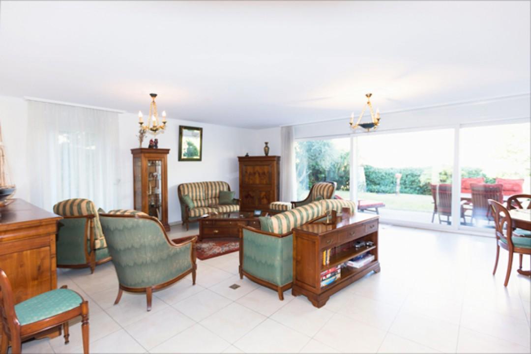 Belle villa d'angle dans résidence de prestige - 9