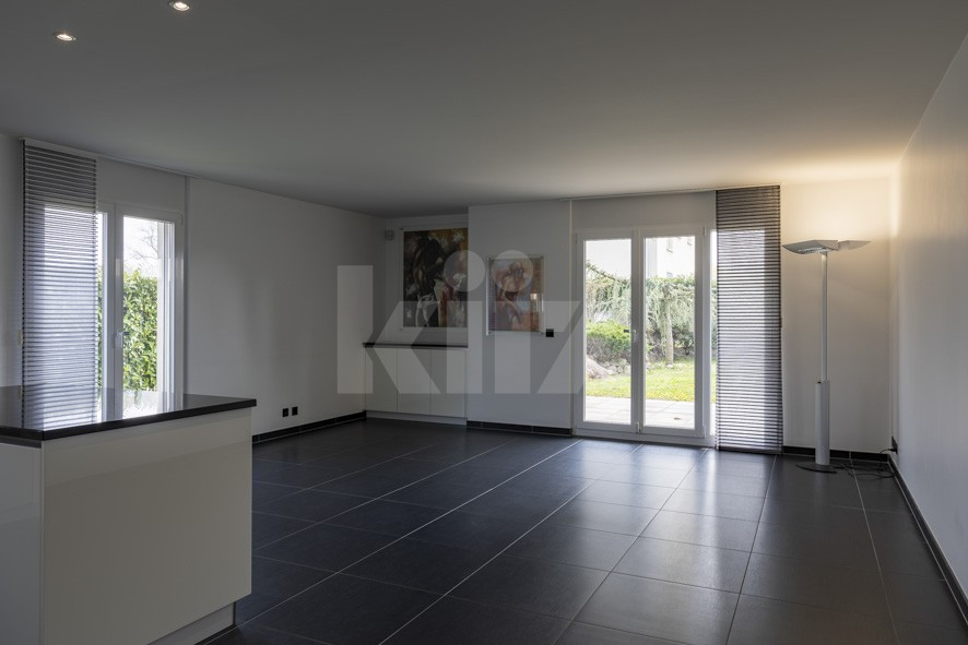 Bell'appartamento spazioso con giardino - 3