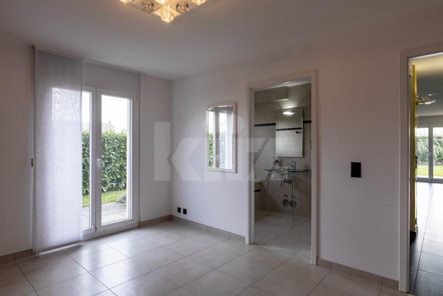 Bell'appartamento spazioso con giardino - 5