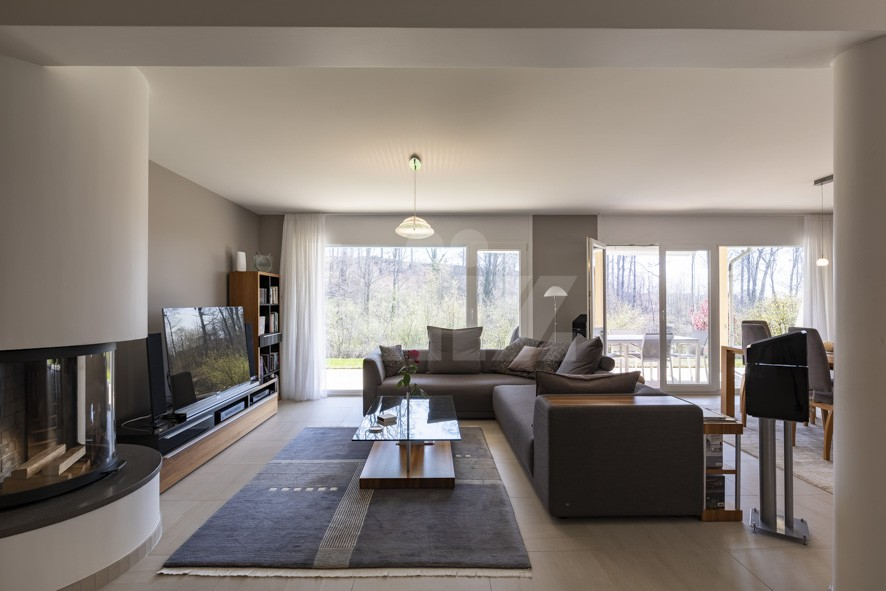 VENDU! Bel appartement contemporain avec jardin de 350 m2 - 1