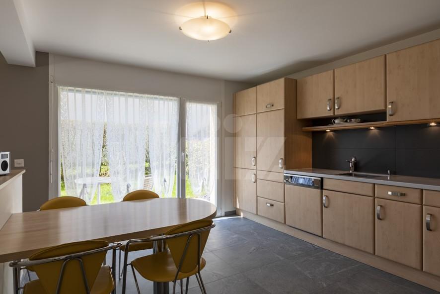VENDU! Bel appartement contemporain avec jardin de 350 m2 - 5