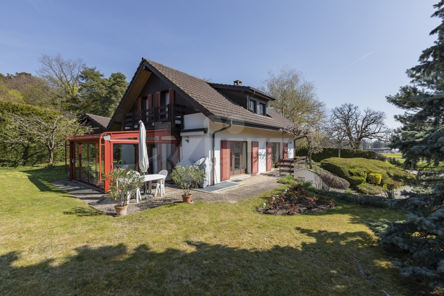 VENDU! Ravissante villa avec grand jardin arboré - 1