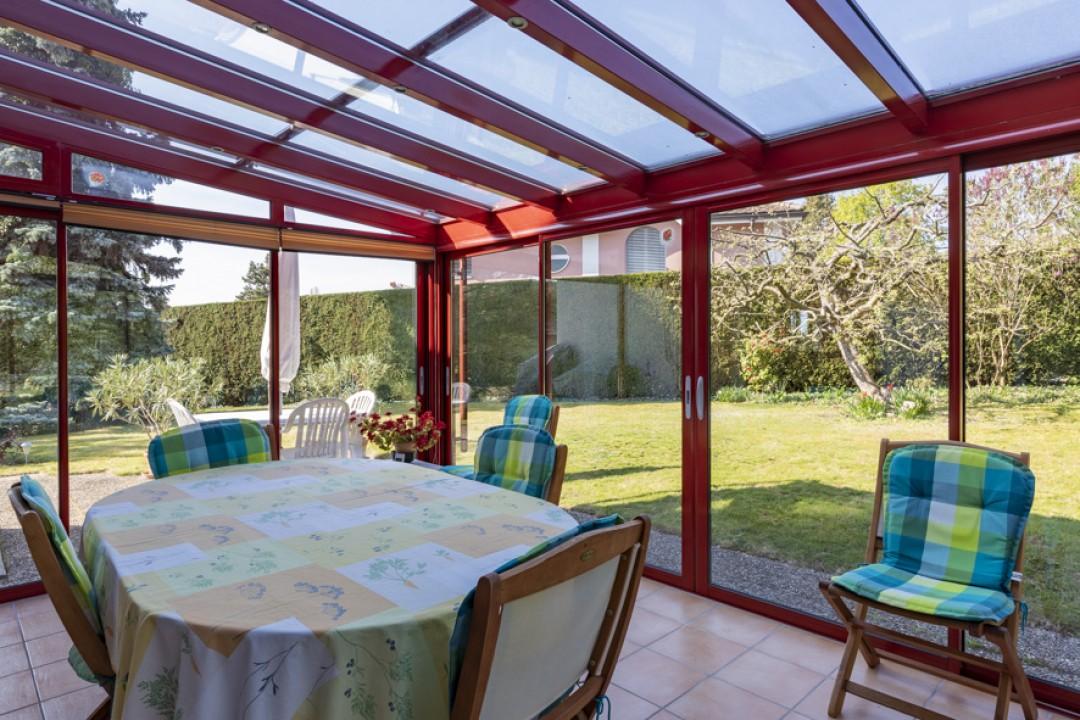 Schöne Villa mit großem bewachsenem Garten - 5