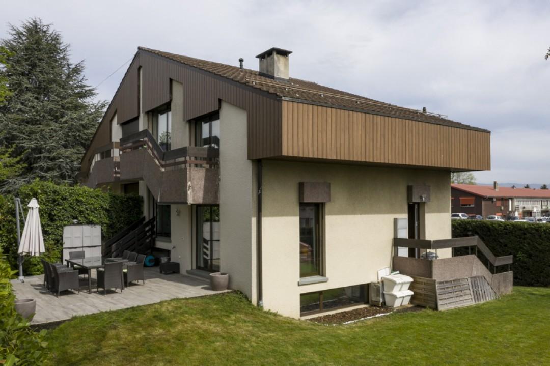 Schönes Doppeleinfamilienhaus mit uneinsehbarem Garten - 11