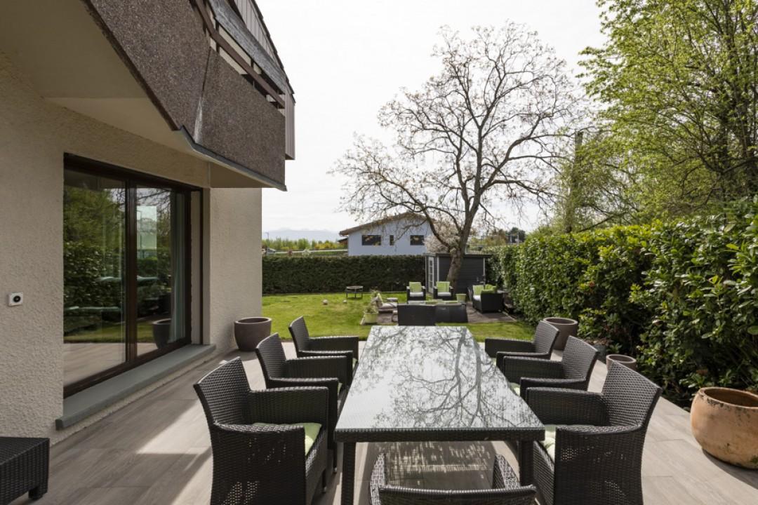Schönes Doppeleinfamilienhaus mit uneinsehbarem Garten - 12