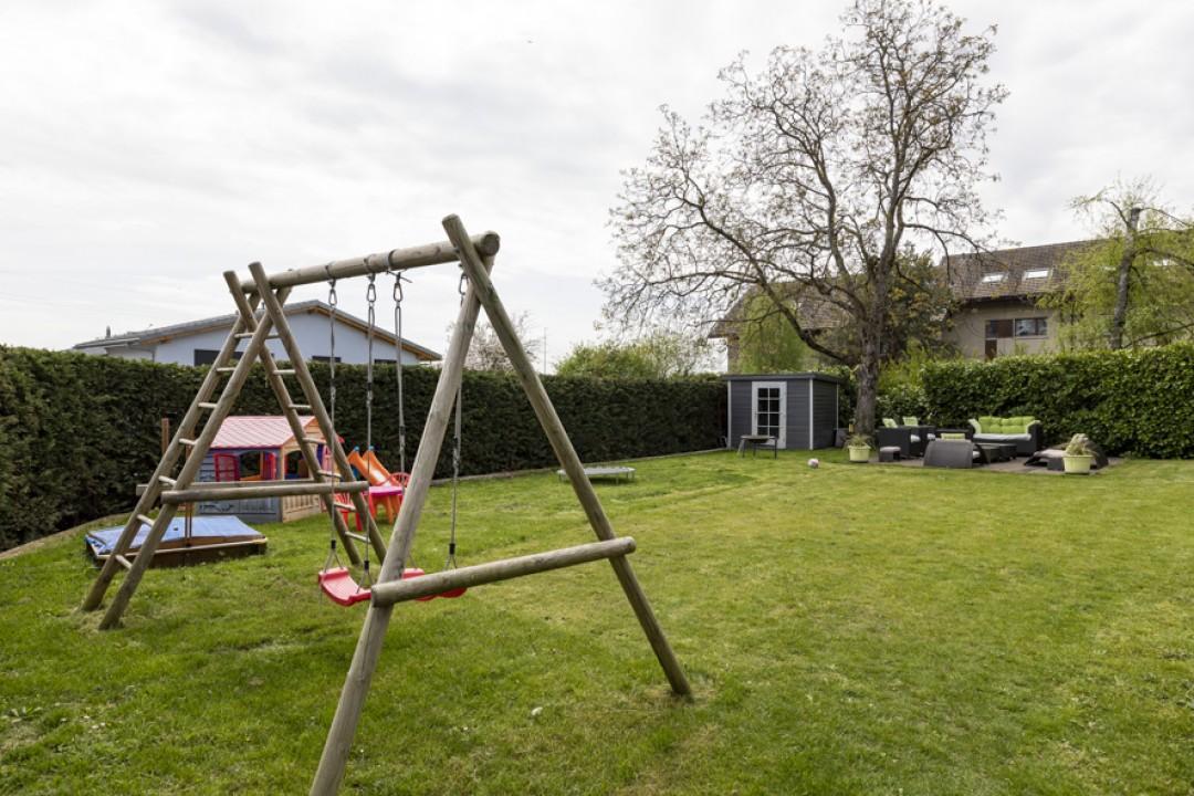 Schönes Doppeleinfamilienhaus mit uneinsehbarem Garten - 13
