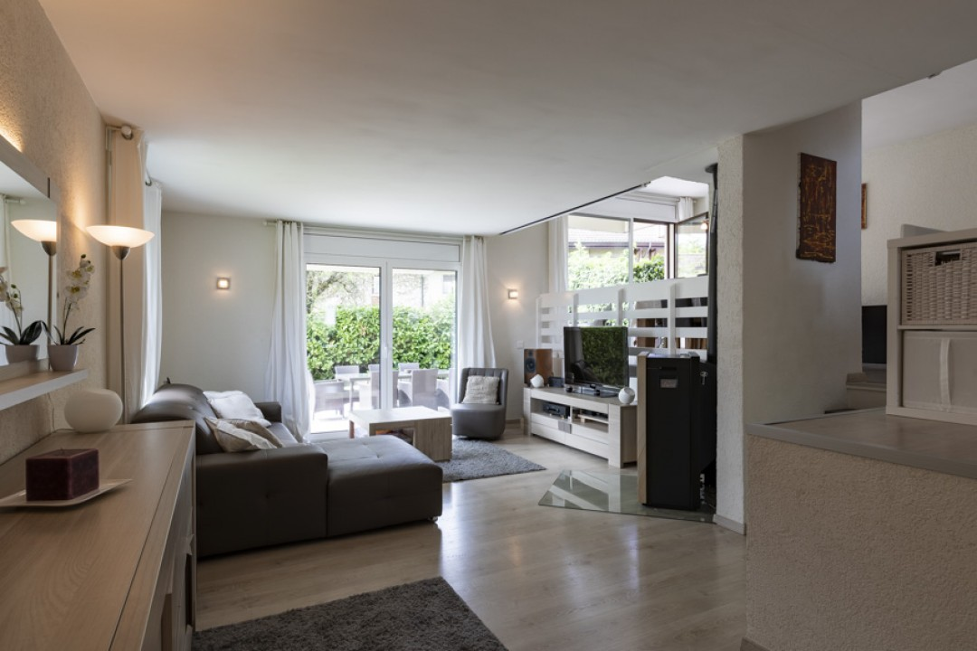 Schönes Doppeleinfamilienhaus mit uneinsehbarem Garten - 2