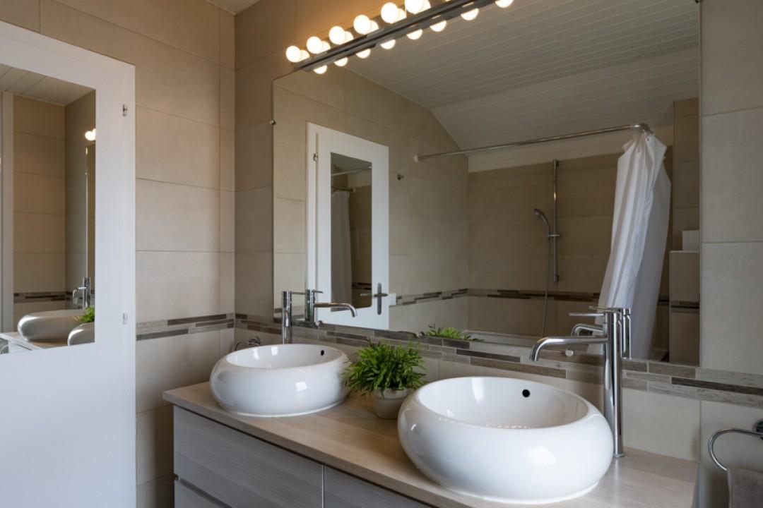 Schönes Doppeleinfamilienhaus mit uneinsehbarem Garten - 10