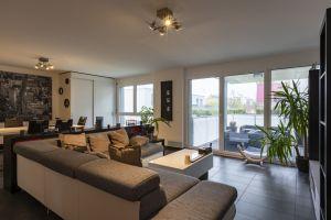 Appartement moderne doté d'agréables espaces extérieurs