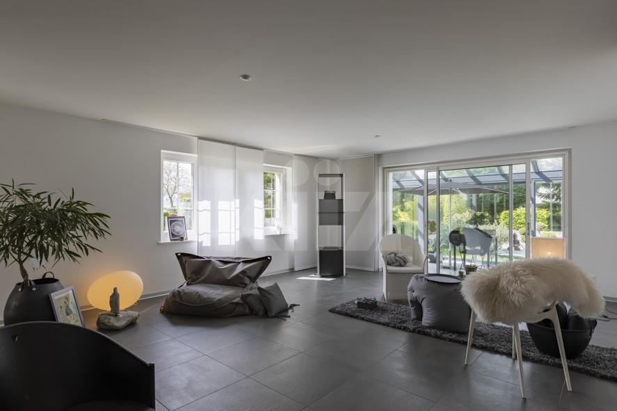 Freistehende Villa, mit Sorgfalt und Geschmack renoviert - 3