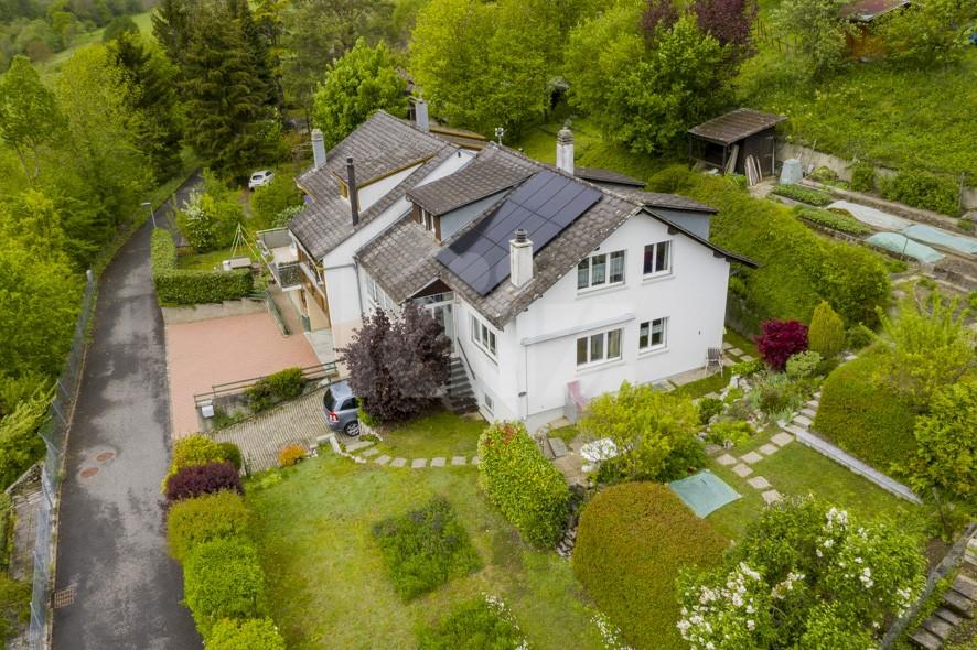 Charmante Doppelhaushälfte mit schönem Garten - 1