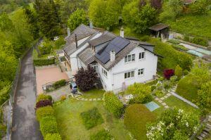 VENDU! Charmante villa mitoyenne avec agréable jardin