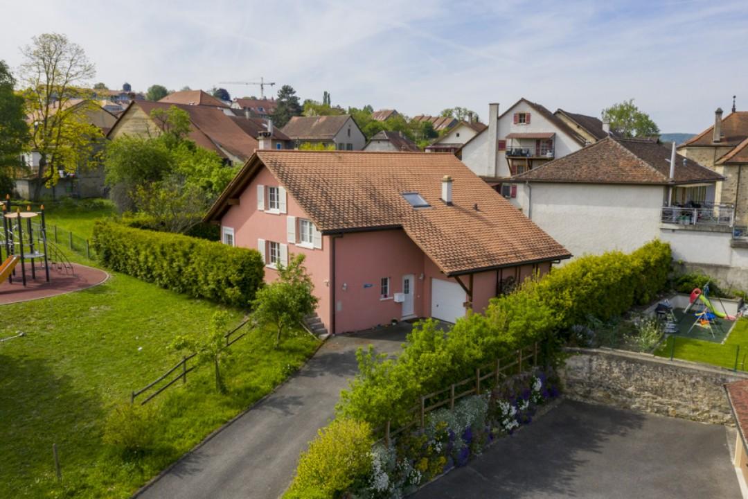 Schönes freistehendes Einfamilienhaus mit Garten - 12