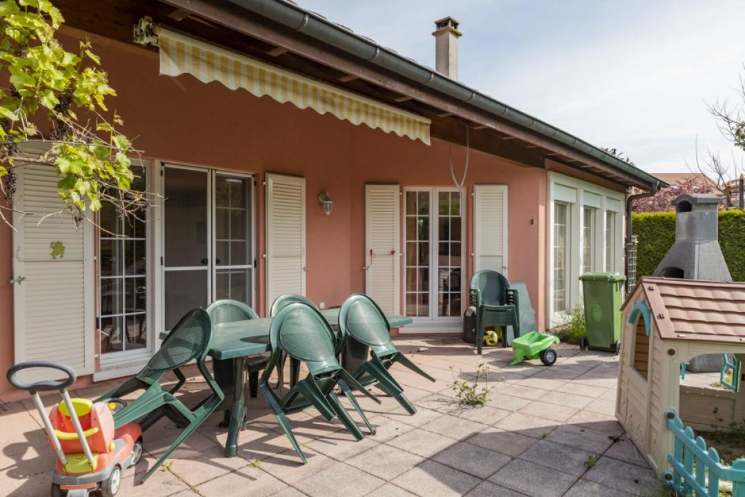 Schönes freistehendes Einfamilienhaus mit Garten - 13