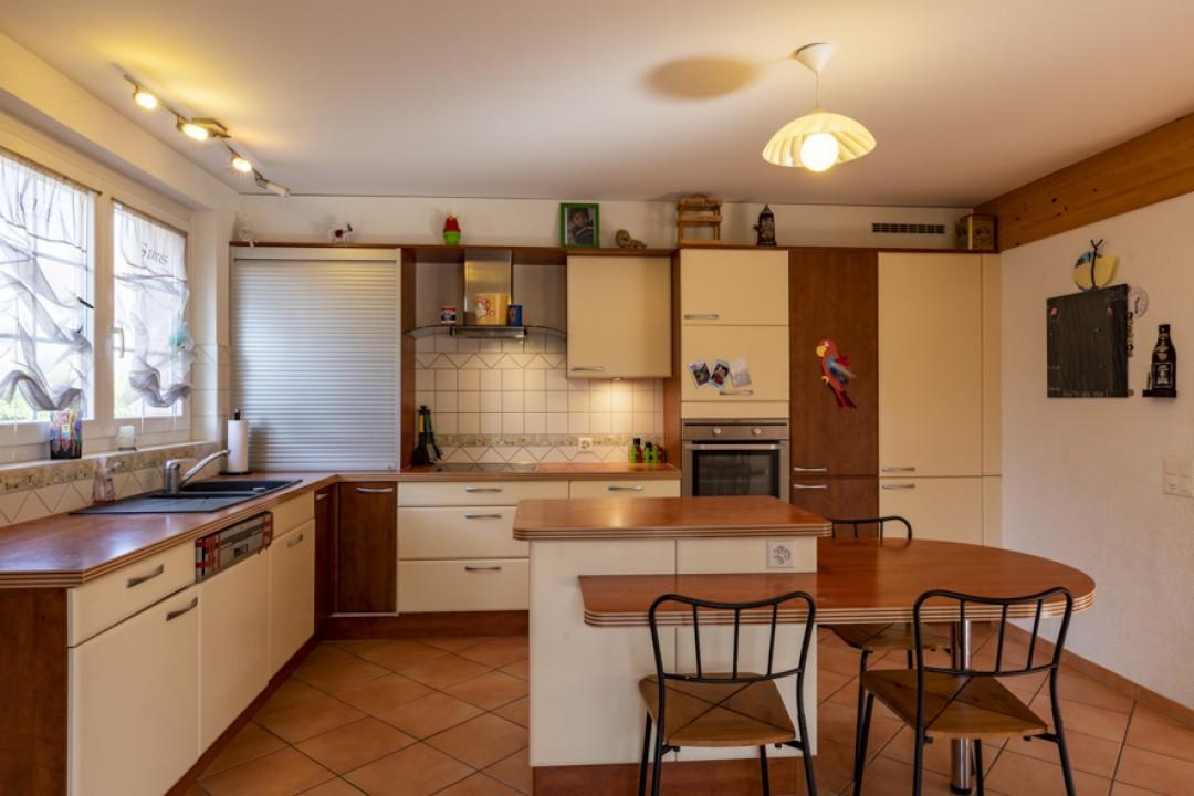 Schönes freistehendes Einfamilienhaus mit Garten - 3