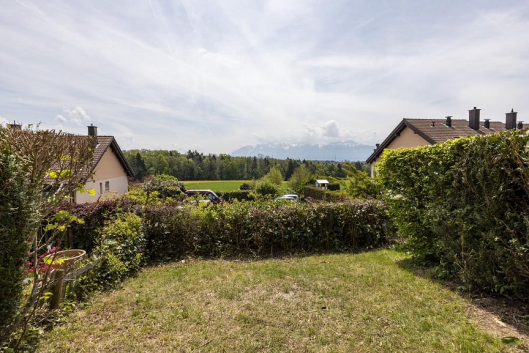 Jolie villa contiguë avec jardin - 12