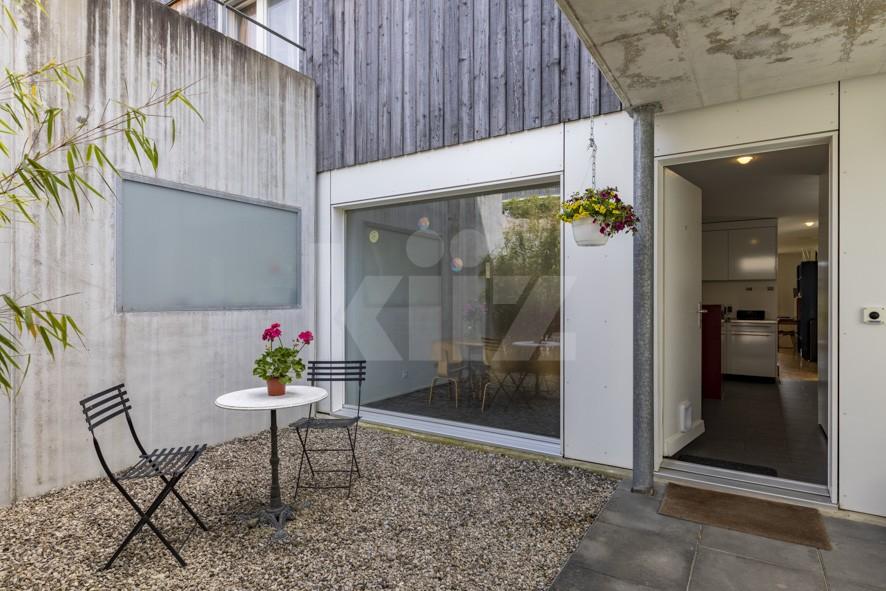 VENDU! Belle villa contiguë à l'architecture contemporaine - 13