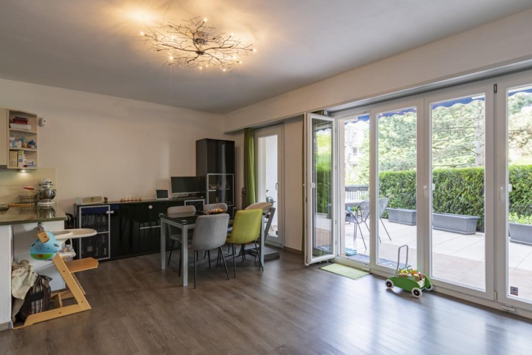 Schöne Wohnung mit großer Terrasse von mehr als 50 m2 - 2