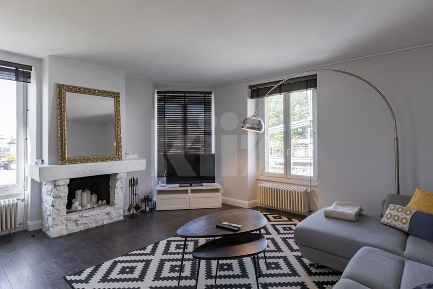 VENDU! Splendide appartement entièrement rénové avec goût - 1
