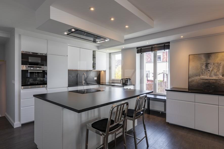 VENDU! Splendide appartement entièrement rénové avec goût - 3