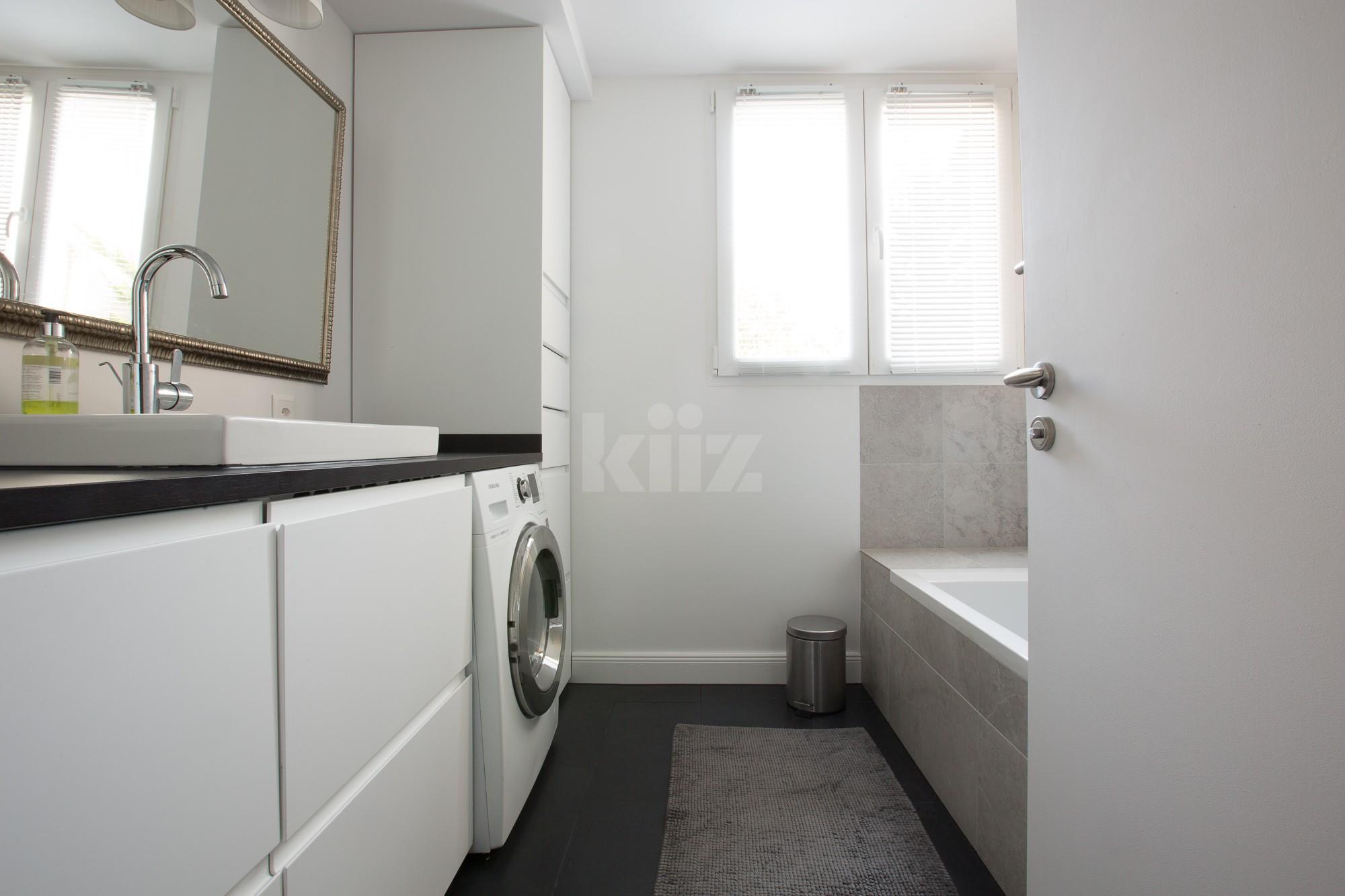 VENDU! Splendide appartement entièrement rénové avec goût - 8