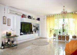 Accogliente villa in residence di prestigio
