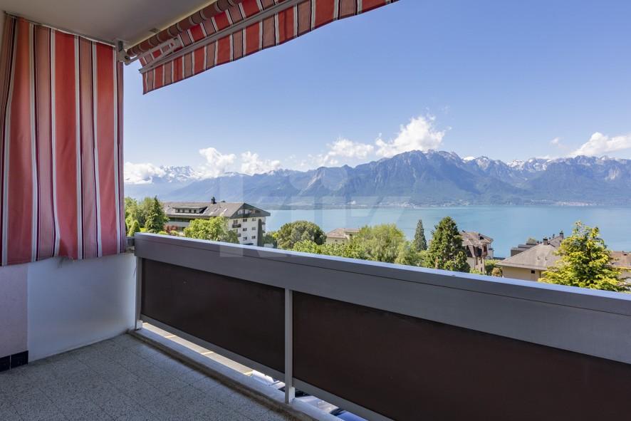 Superbe vue panoramique sur le lac et les montagnes - 10