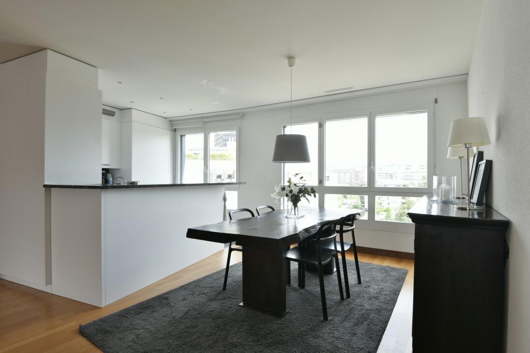 VERKAUFT! Modernes und grosszügiges Appartement - 2