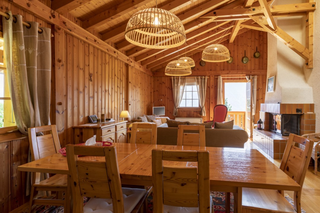 Perfekt gepflegtes Doppelhaus Chalet  - 2