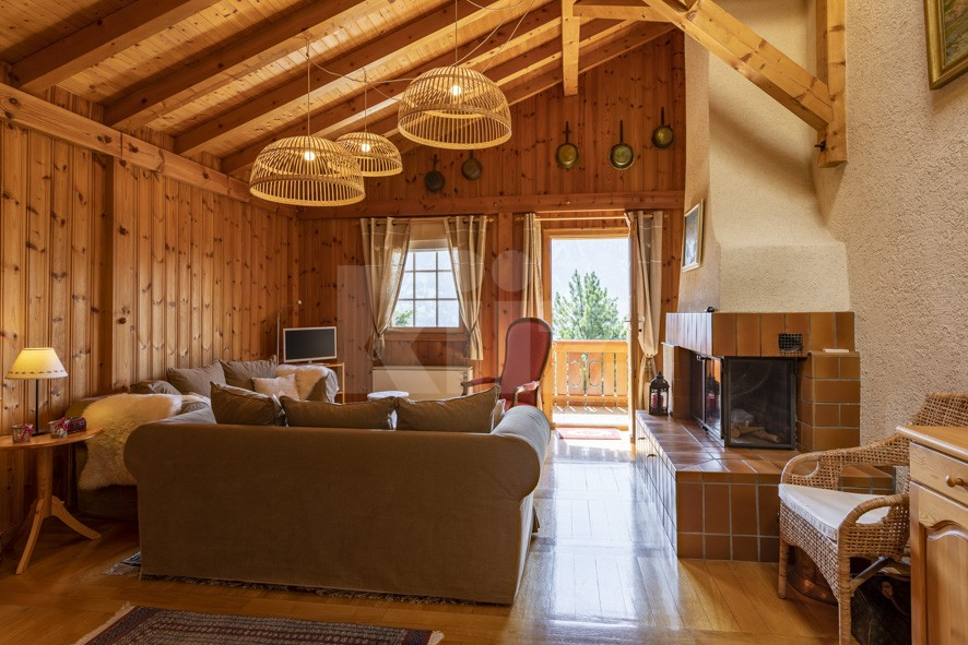 Perfekt gepflegtes Doppelhaus Chalet  - 3
