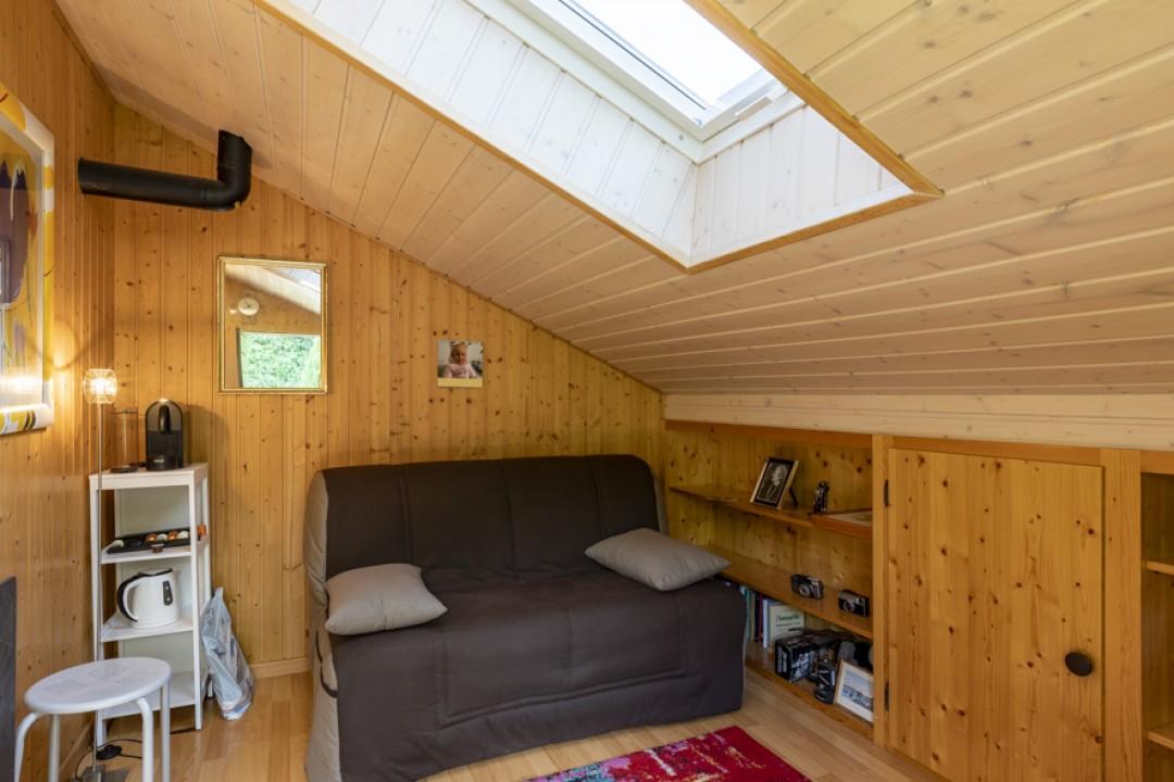 Sehr schöne Wohnung mit großer Terrasse und hübschem Garten  - 12