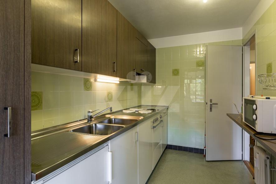 Sehr schöne helle Wohnung mit viel Potenzial - 6