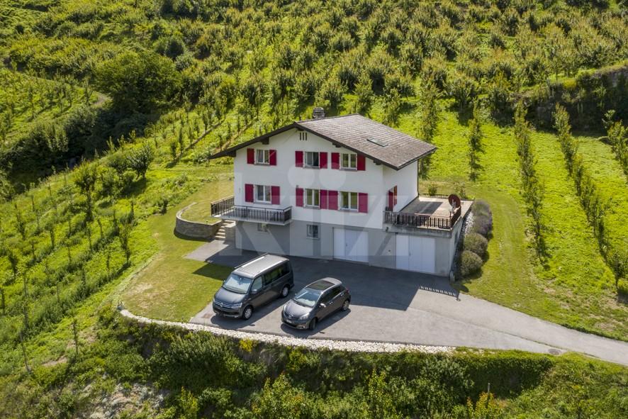 Schönes Familienhaus nur 10 km von Sion entfernt - 1