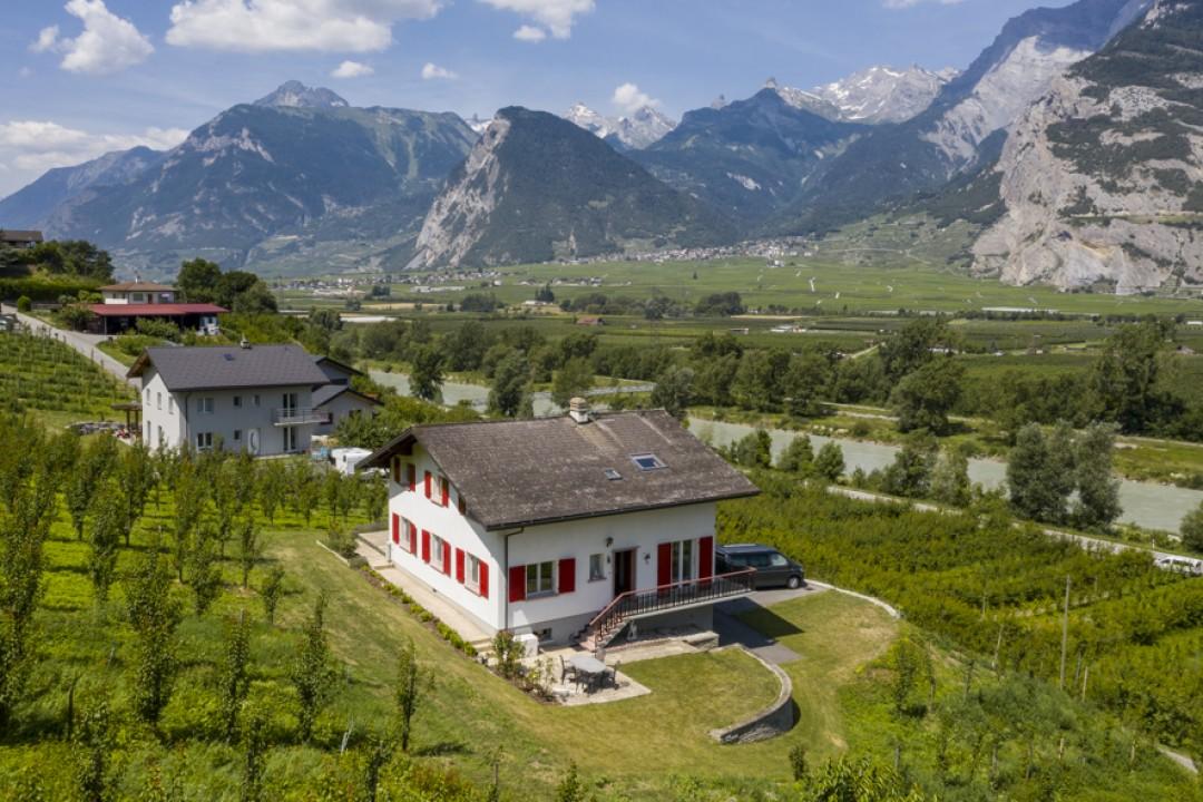 Belle maison familiale à seulement 10 km de Sion - 2