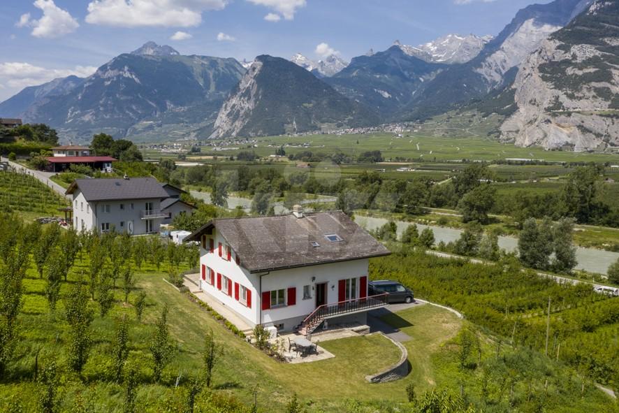 Schönes Familienhaus nur 10 km von Sion entfernt - 2