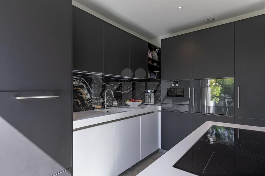 Außergewöhnliche Wohnung mit toller Ausstattung und Garten - 7