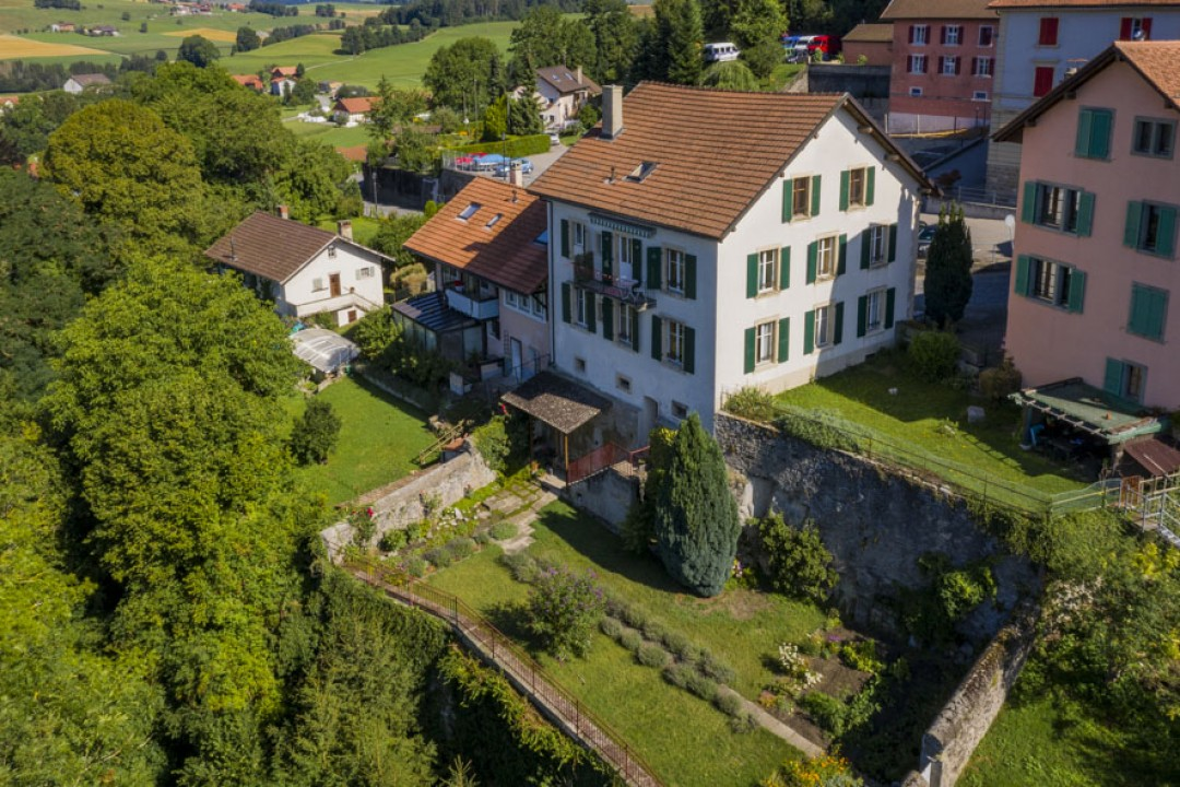 Sehr schönes Familienhaus mit idyllischem Garten - 12