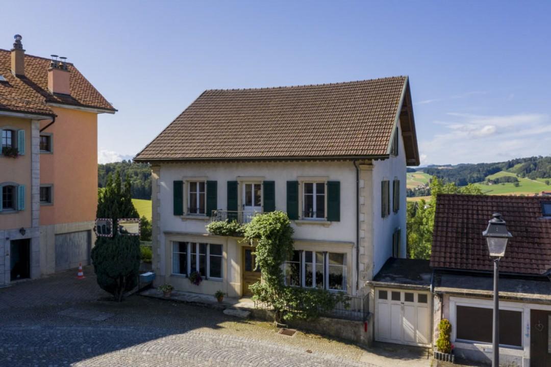 Sehr schönes Familienhaus mit idyllischem Garten - 11