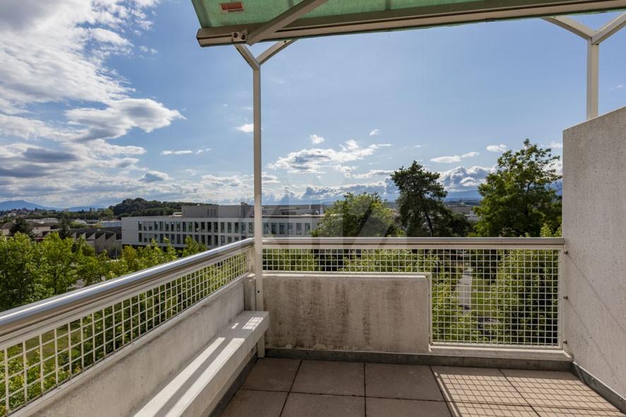 VENDU! Bel appartement au dernier étage avec terrasse - 10