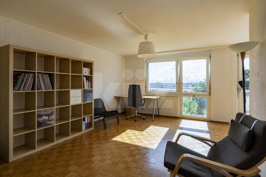 VENDU! Bel appartement au dernier étage avec terrasse - 2