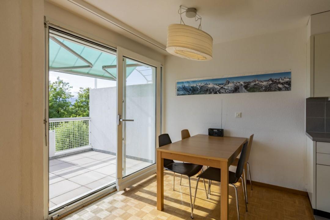 Schöne Wohnung im obersten Stockwerk mit schönem Balkon - 4
